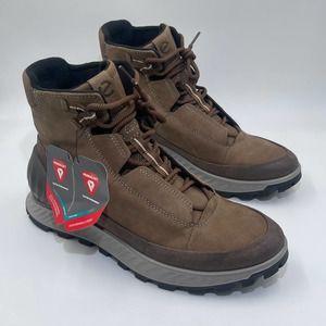 ECCO Exostrike Hydromax Brown Boot, Size 9-9.5
